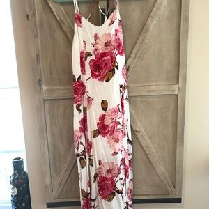 The Pink Lily Boutique Maxi Dress (small)